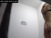 Скрытая камера в женской примерочной