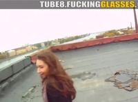 Раскрутил девчонку на секс на крыше